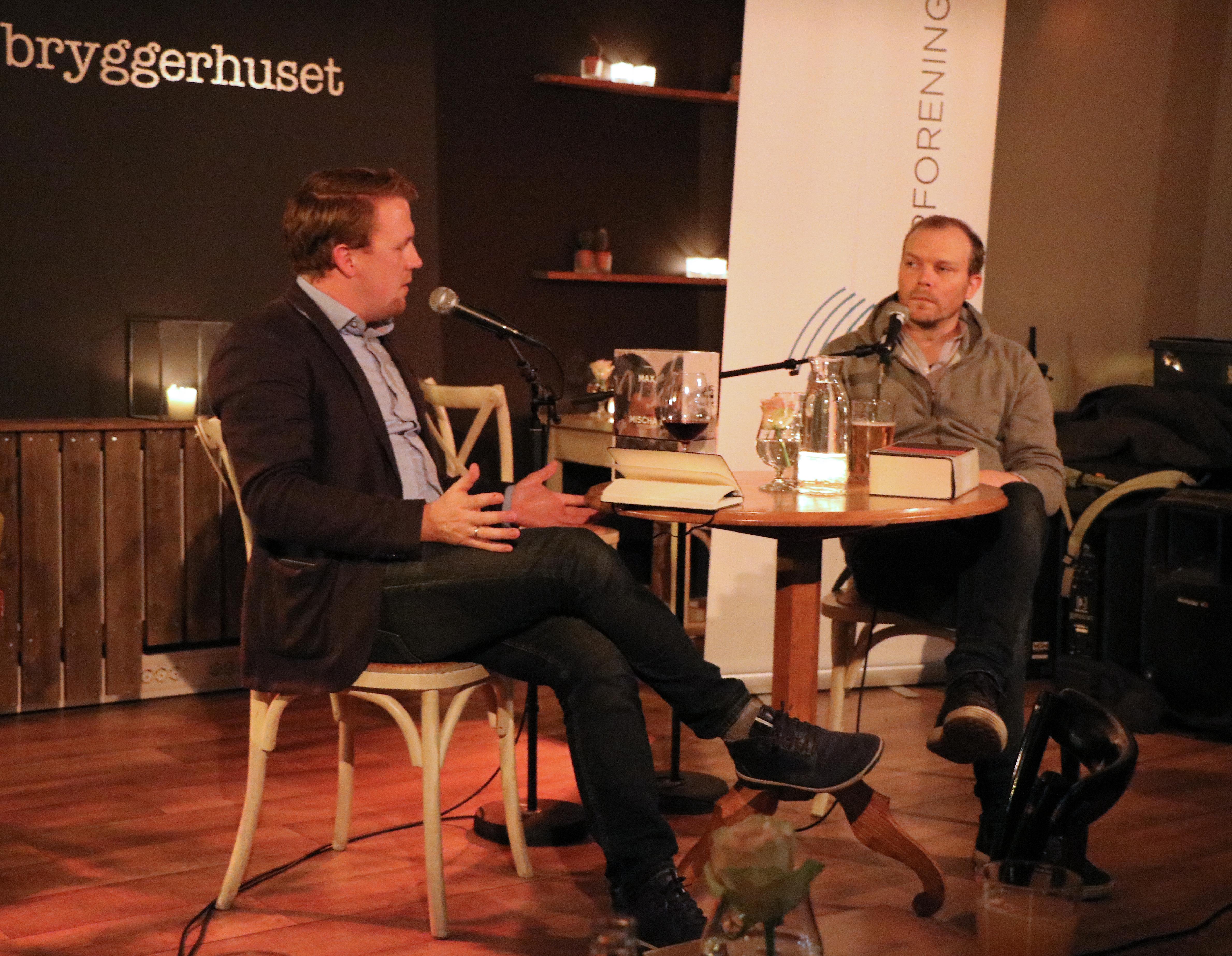 bokbader-bernhard-ellefsen-og-forfatter-johan-harstad